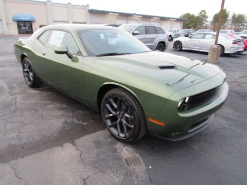 New 2020 DODGE Challenger SXT Black Top